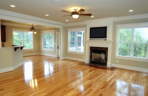 """""""Độc chiêu"""" làm sạch sàn gỗ"""