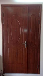 cửa thép an toàn vân gỗ chống cháy, chống ồn, chống trộm